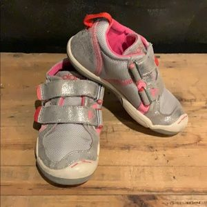 GUC PLAE TY kids size 10 sneakers